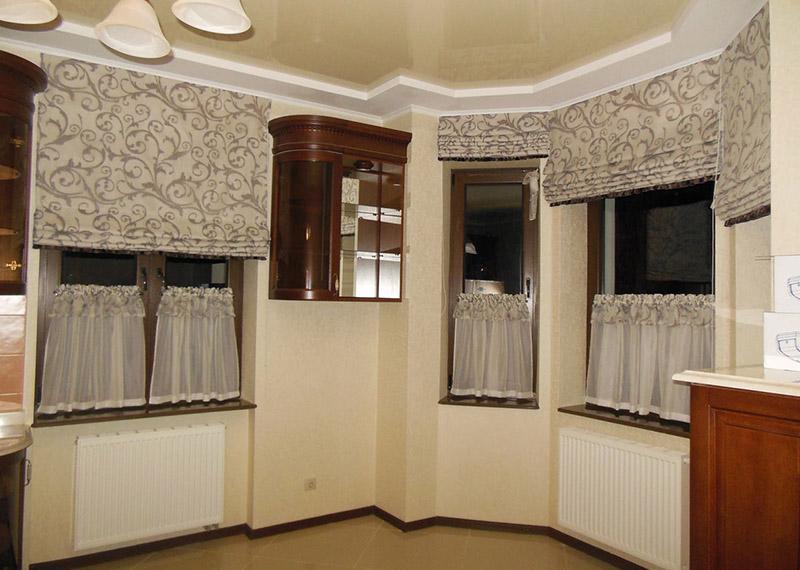 штори в кухні
