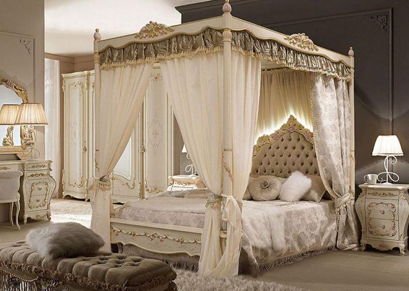 ліжко-в-спальні-ампір