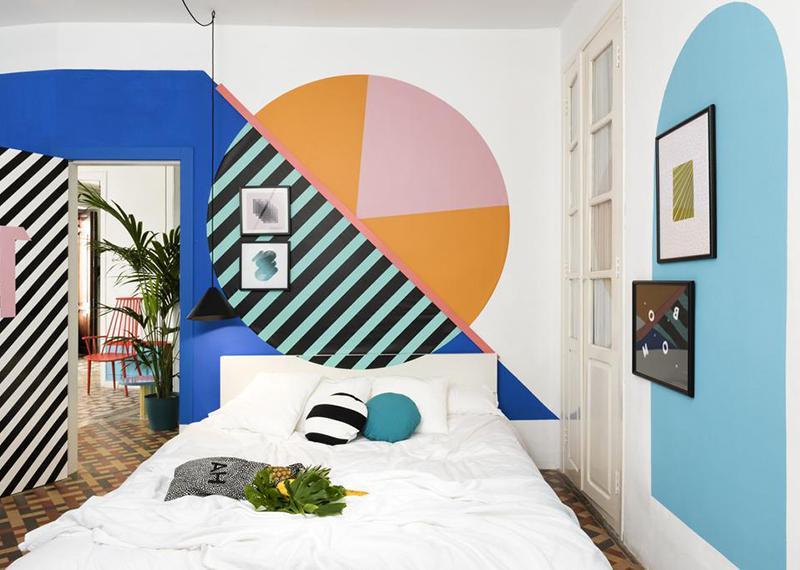 інтер'єр-в-стилі-мемфіс-спальня